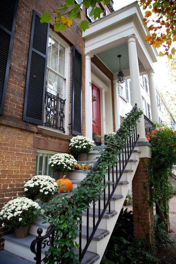 Exploring the historic homes of Savannah Georgia