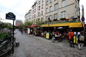 Cafe Le Petit Pont