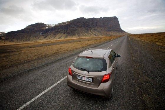 Traversing Icelands Reynisfjara, Skaftafell and Hvannadalshnúkur 1